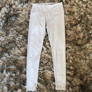 Light gray high waisted leggings